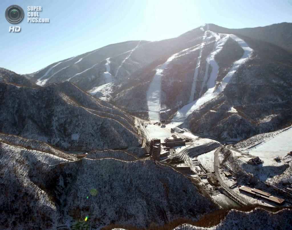 Общий вид на Masik Pass Ski Resort. (KCNA)