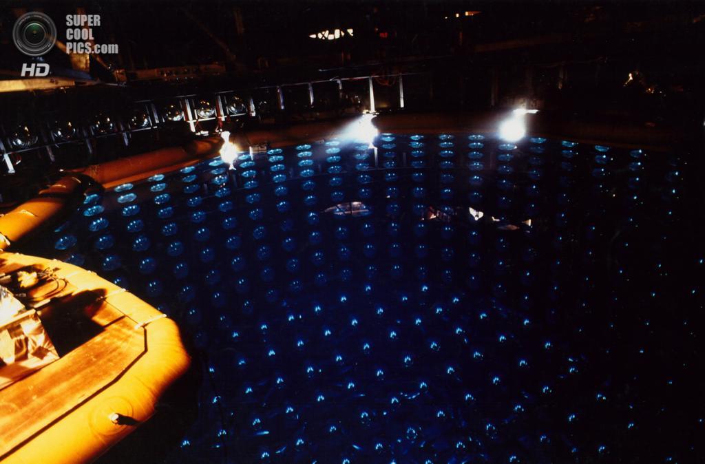 Нейтринный детектор Super-Kamiokande. (Kamioka Observatory/Institute for Cosmic Ray Research)