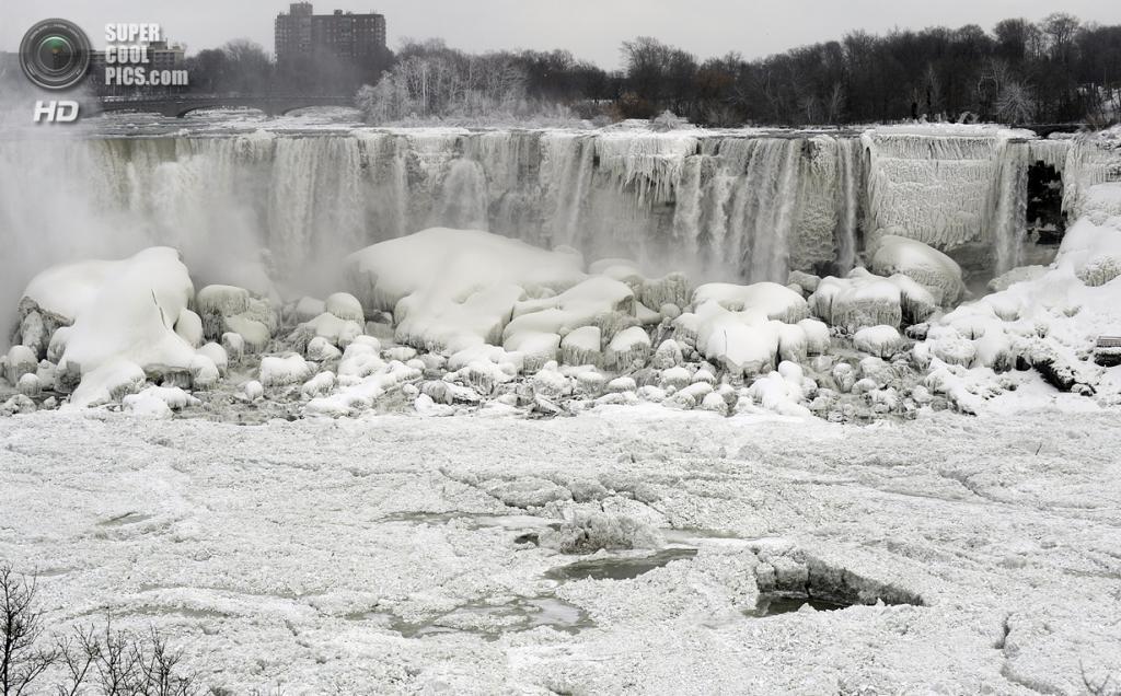 EUA.  Niagara Falls, New York.  Em 9 de janeiro.  Niagara Falls.  (EPA / RICK WARNE)
