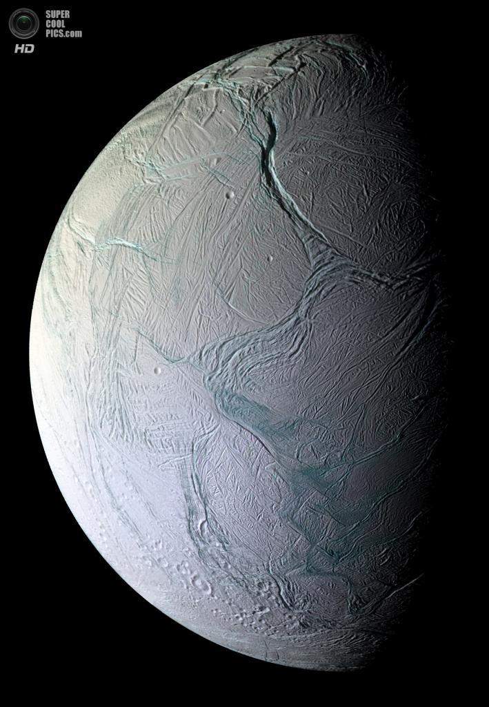 Поверхность Энцелада. (NASA/JPL-Caltech/SSI)