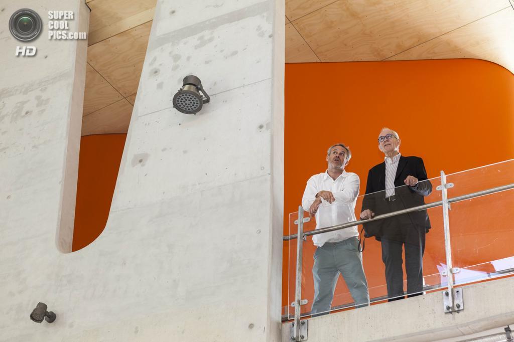 Австралия. Робина, Квинсленд. Школа архитектуры Абедиан при Университете Бонд, спроектированная CRAB Studio. (Rix Ryan)