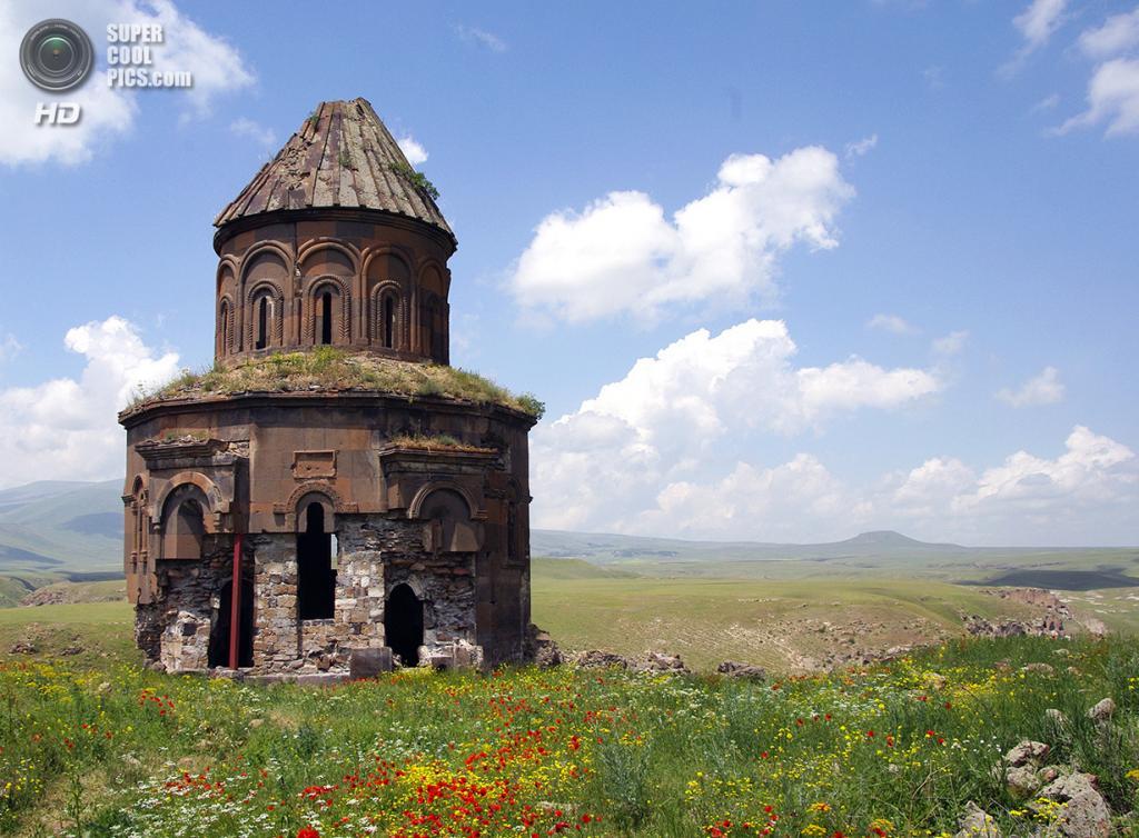 Турция. Ани, Карс. 19 июня 2011 года. Церковь Святого Григория. (Martin Lopatka)