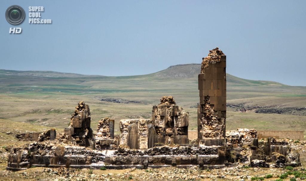 Турция. Ани, Карс. 24 июня 2012 года. Руины древнего города-призрака. (Scott Dexter)