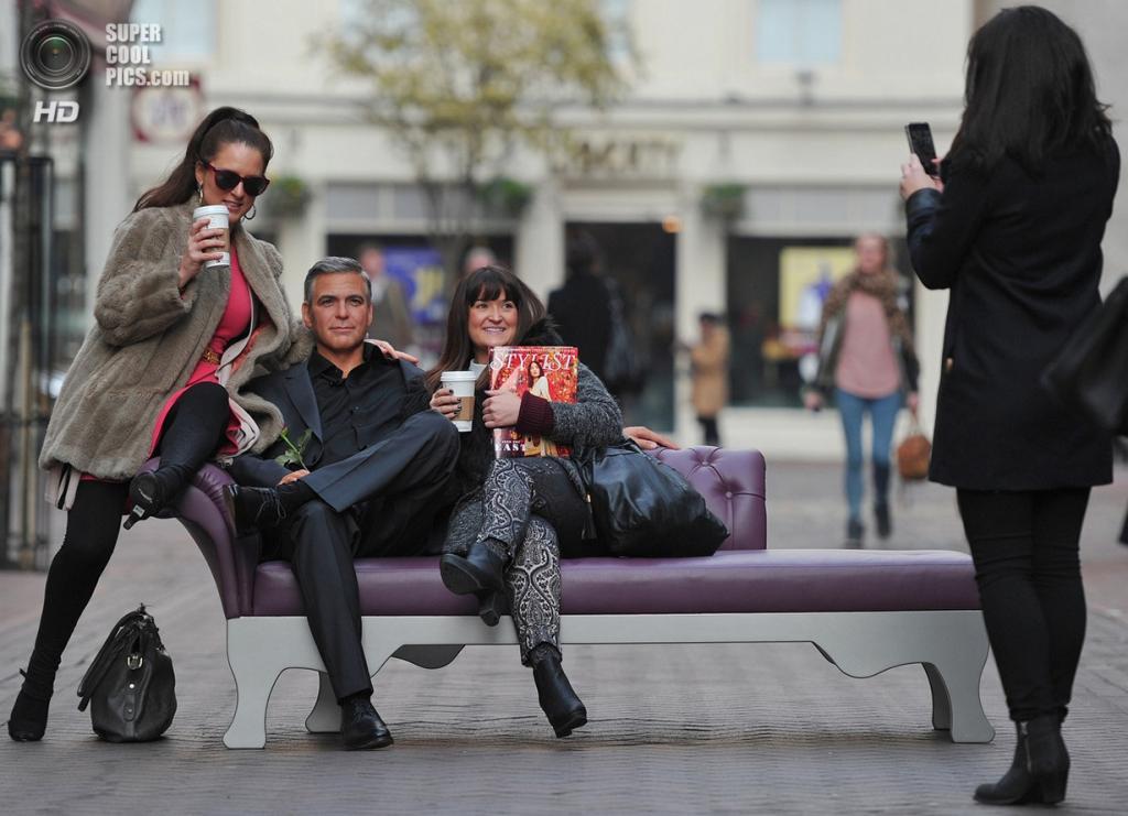 Великобритания. Лондон. Восковая фигура Джорджа Клуни. (Carl Court/Getty Images)