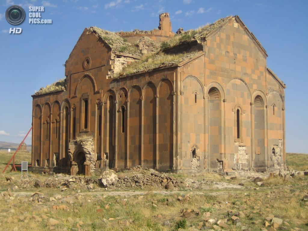 Турция. Ани, Карс. 24 августа 2009 года. Анийский собор. (Hansm)