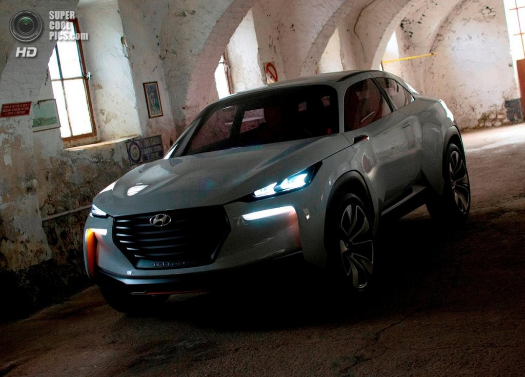 Hyundai Intrado Concept. (Hyundai Motor Company)