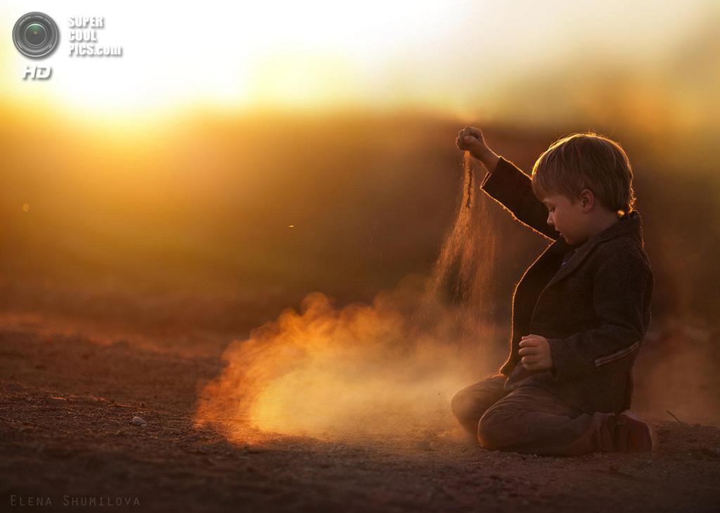 ...dust... (Elena Shumilova)