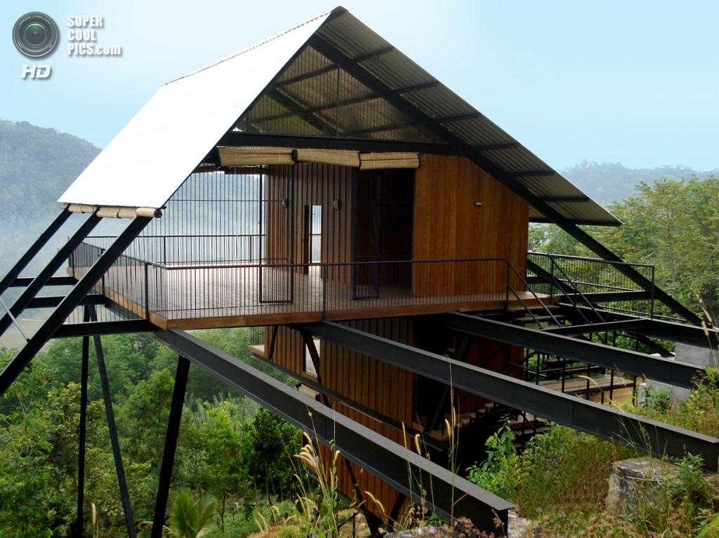 Шри-Ланка. Матугама, Калутара, Западная провинция. Бунгало, спроектированное Нареином Перерой. (Narein Perera)