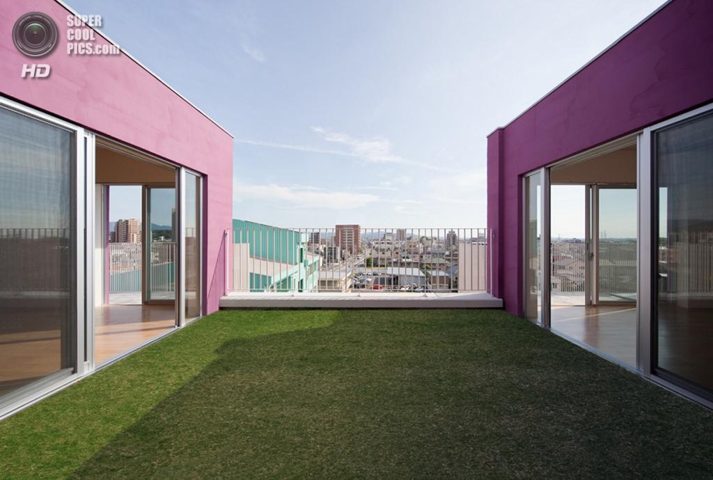 Япония. Окадзаки, Айти. Многоквартирный дом, спроектированный Henri Gueydan. (Toshihisa Iishi)