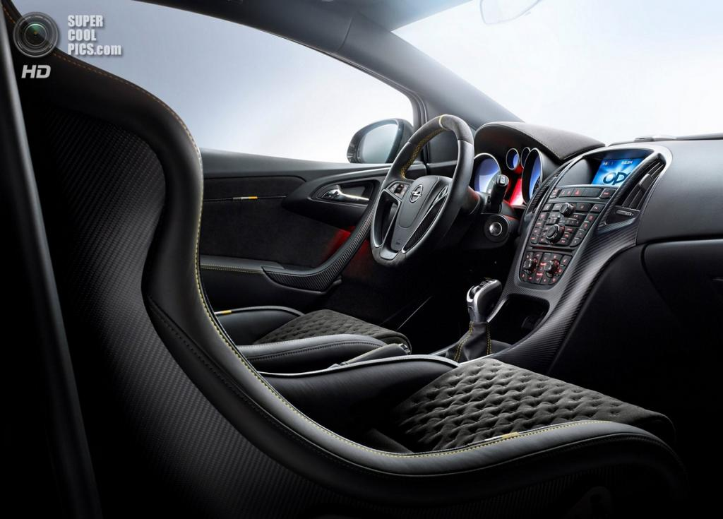 Opel Astra OPC Extreme. (General Motors)