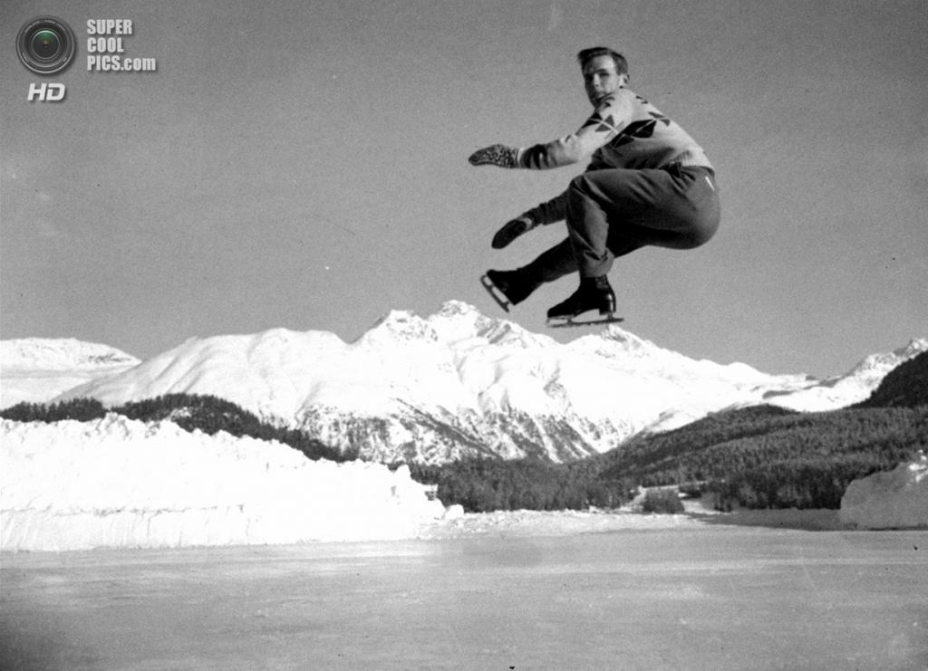 Швейцария. Санкт-Мориц, Граубюнден. 19 января 1948 года. Легендарный фигурист Дик Баттон из США на практике перед началом V Олимпийских зимних игр. (AP Photo)