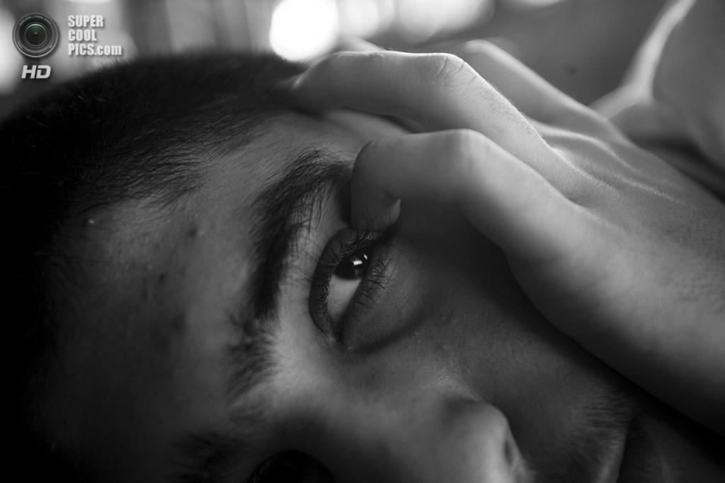 Из исследования Дженнаро и Маурицио, 16-летних однояйцевых близнецов, страдающих аутизмом. (Esposito Salvatore/2014 Sony World Photography Awards)