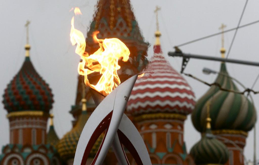 Самые яркие моменты эстафеты олимпийского огня «Сочи-2014» (15 фото)