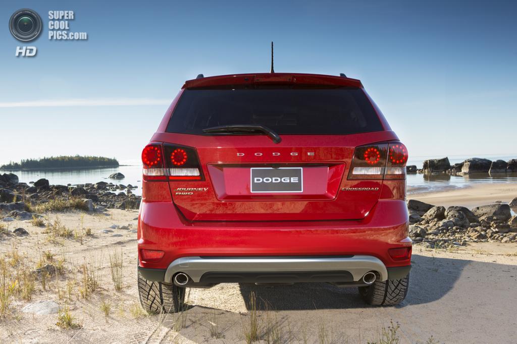 Dodge Journey Crossroad. (Chrysler Group LLC)