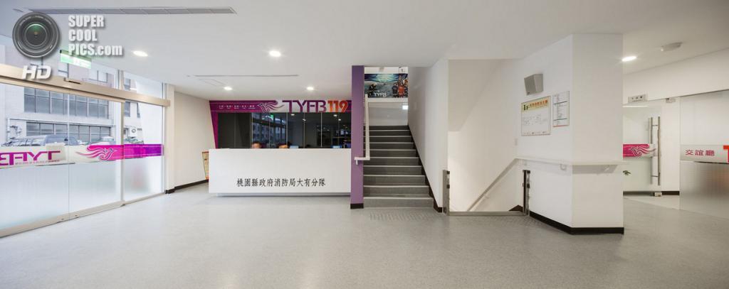 Тайвань. Таоюань. Пожарная часть Da-Yo, спроектированная K-Architect. (Poyi Lee)