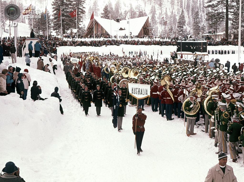 США. Скво-Вэлли, Калифорния. 18 февраля 1960 года. Спортсмены из Австралии на церемонии открытия VIII Олимпийских зимних игр. (AP Photo)