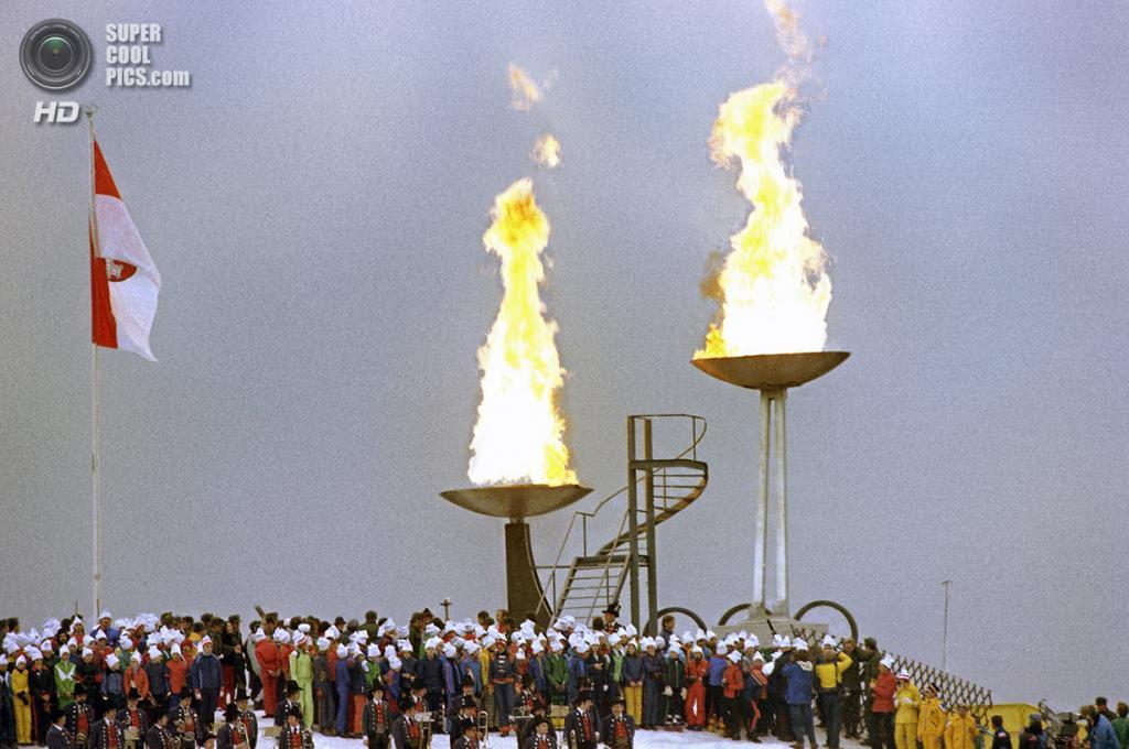 Австрия. Инсбрук, Тироль. 4 февраля 1976 года. Церемония открытия XII Олимпийских зимних игр. (AP Photo)