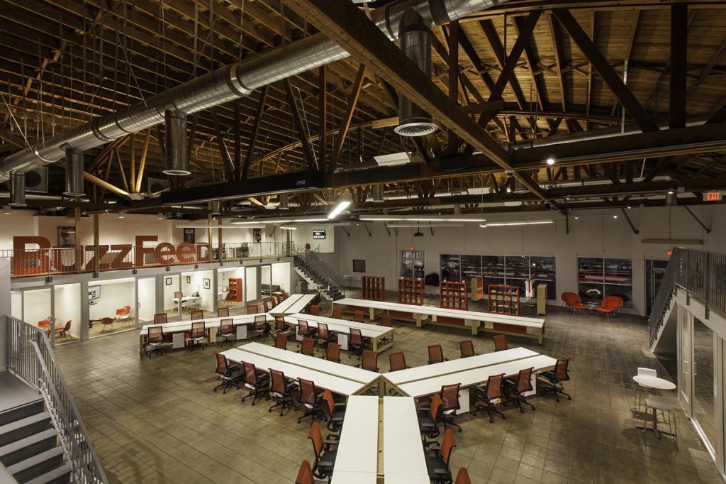 США. Лос-Анджелес, Калифорния. Офис BuzzFeed, спроектированный JIDK. (Peter Kubilus)