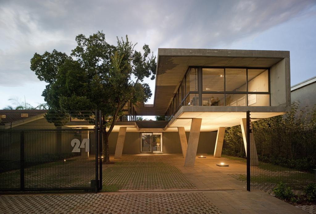 Южная Африка. Претория. Офисное здание Floating in Space, спроектированное W Design Architecture Studio. (Jamie Thom)