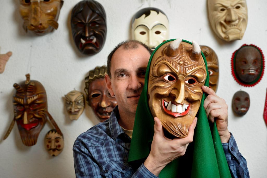 Искусство создания карнавальных масок (15 фото)