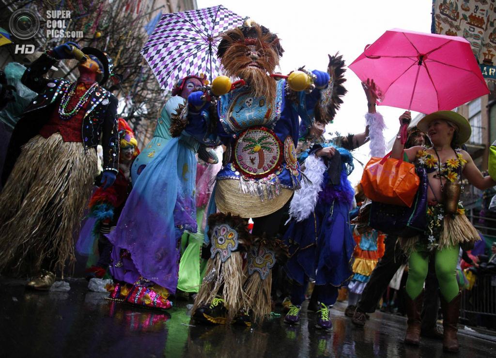 США. Новый Орлеан, Луизиана. 4 марта. Шествие клуба Mondo Kayo. (REUTERS/Jonathan Bachman)