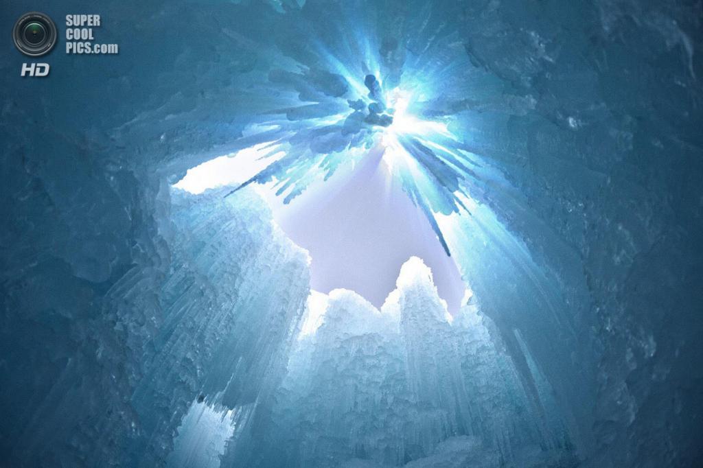 США. Линкольн, Нью-Хэмпшир. В одном из «Ледяных замков». (Lon Lovett)