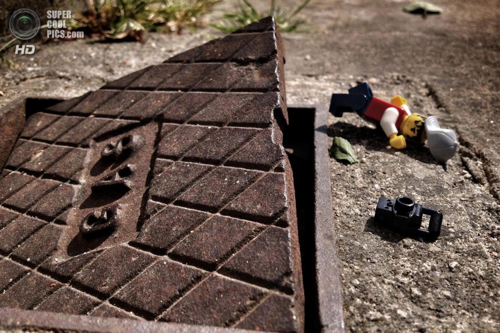 Из серии «Legographer». (Andrew Whyte/Caters News)