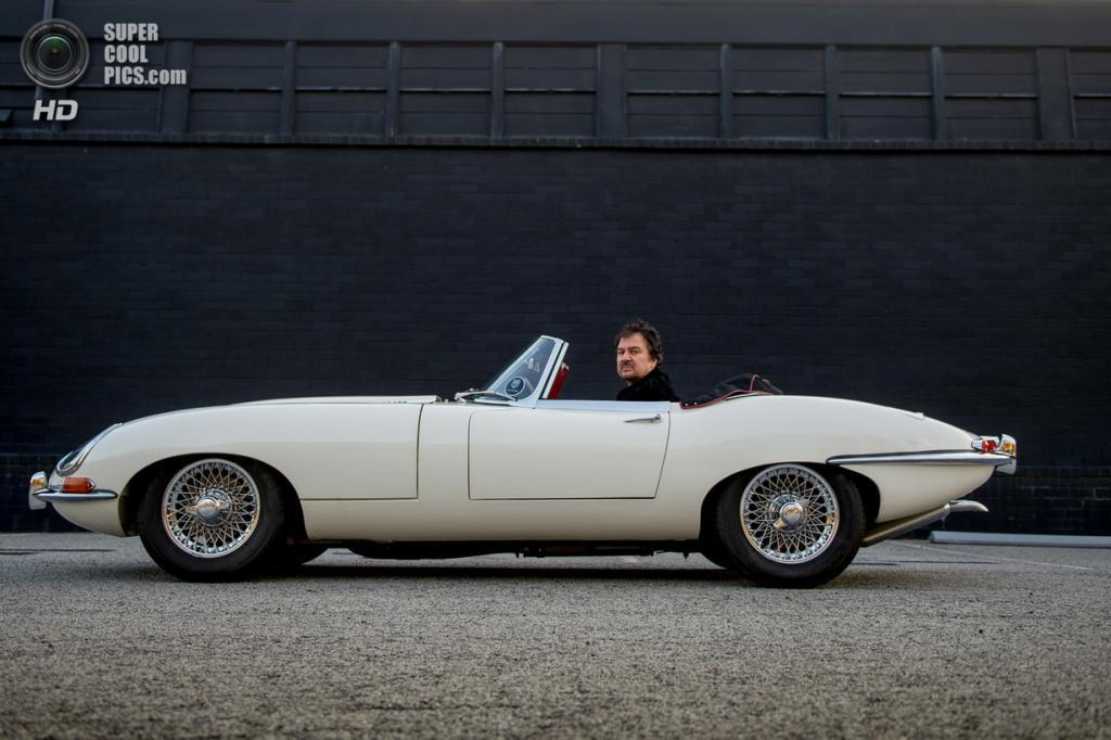 США. Атланта. Джефф Карлизи и его Jaguar E-Type 1962 года выпуска. (Jamey Guy)
