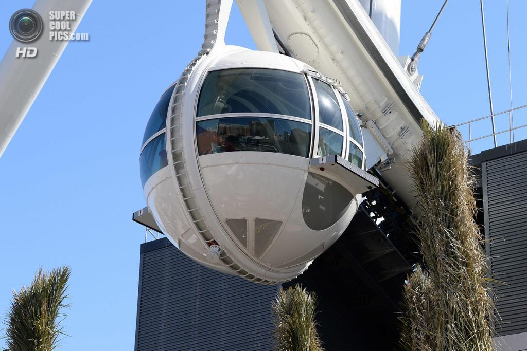 США. Лас-Вегас, Невада. 21 марта. Las Vegas High Roller — самое большое колесо обозрения в мире. (Ethan Miller/Getty Images)