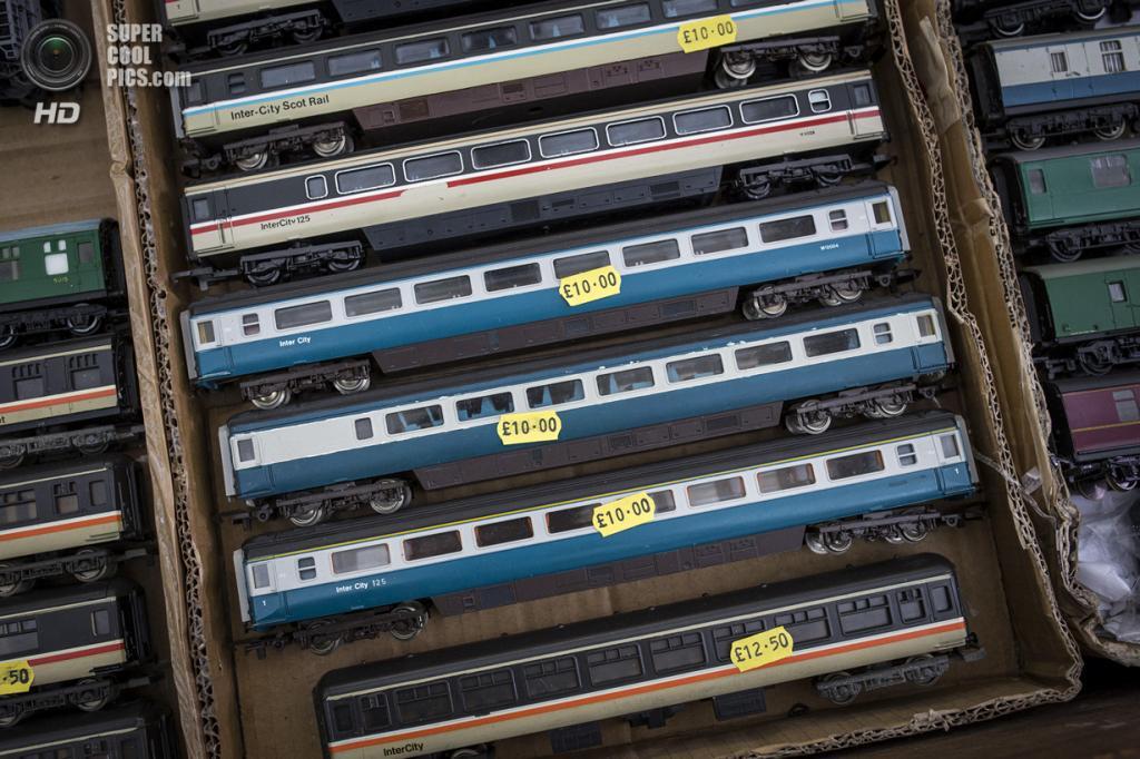 Великобритания. Лондон. 23 марта. Детальные модели вагонов дизельных локомотивных скоростных поездов InterCity 125. (Rob Stothard/Getty Images)