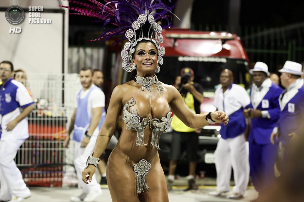 Бразилия. Сан-Паулу. Во время карнавала. (Caio Kenji)
