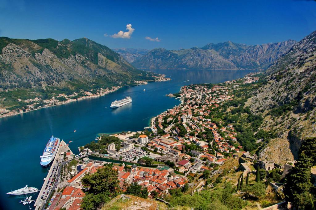 Путешествие по Черногории. Древний город Котор (19 фото)