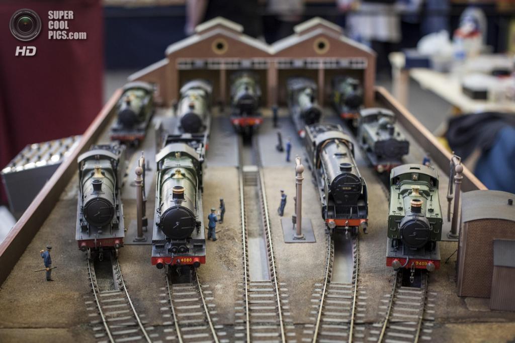 Великобритания. Лондон. 23 марта. Детальные модели старых паровозов. (Rob Stothard/Getty Images)