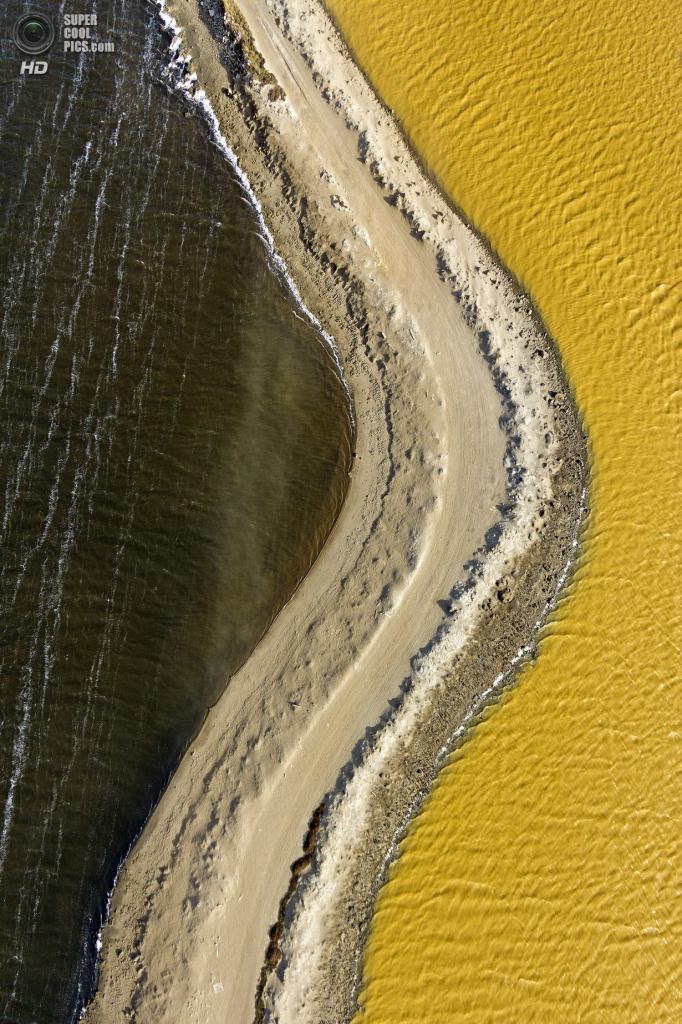 США. Сан-Франциско, Калифорния. Соляные пруды. (Cris Benton)