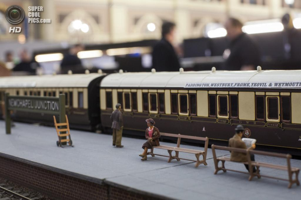 Великобритания. Лондон. 23 марта. Модель вымышленной железнодорожной станции Newchapel Junction, основанной на развязке в Йовиле. (Rob Stothard/Getty Images)
