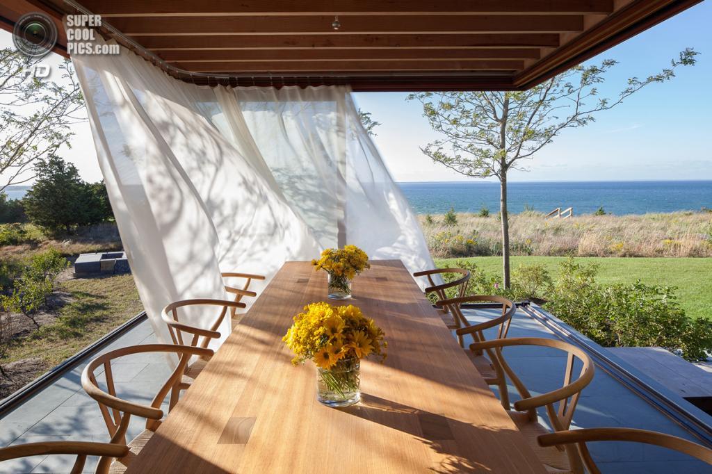 США. Эдгартаун, Массачусетс. Частный дом Island House, спроектированный Peter Rose + Partners. (Matthew Snyder)