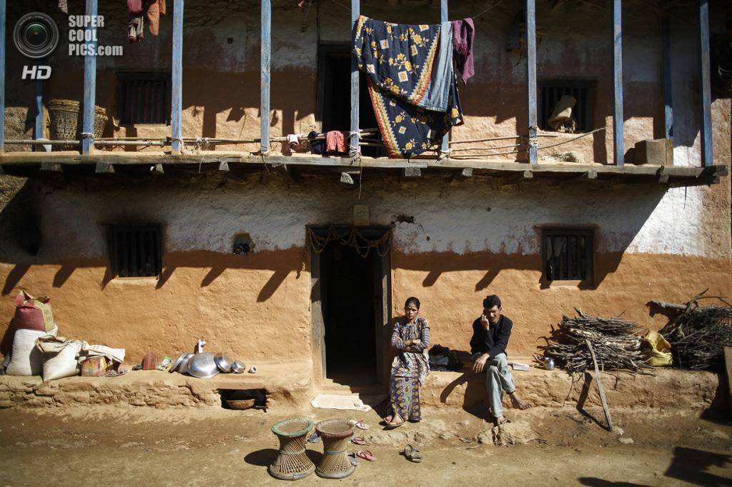 Непал. Ачхам, Западный регион. 16 февраля. Дом Бхулов. (REUTERS/Navesh Chitrakar)