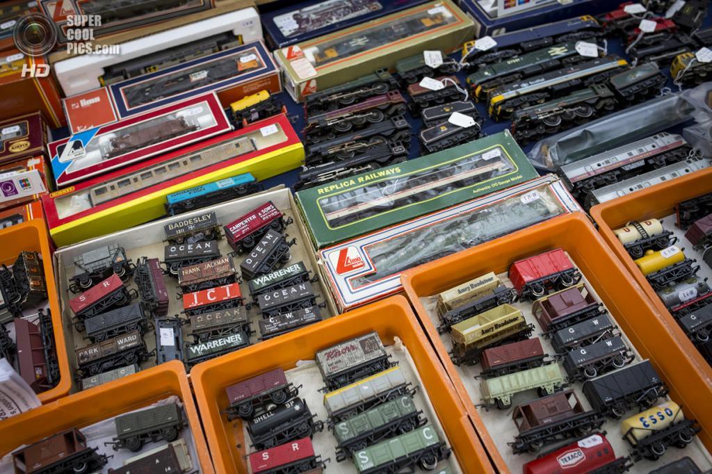Великобритания. Лондон. 23 марта. Всевозможные поезда и вагоны на продажу. (Rob Stothard/Getty Images)