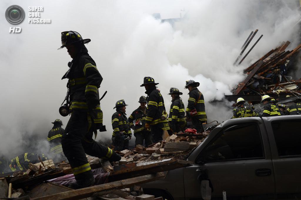США. Нью-Йорк. 12 марта. На месте происшествия. (REUTERS/Rob Bennett/New York City Mayor's Office/Handout)