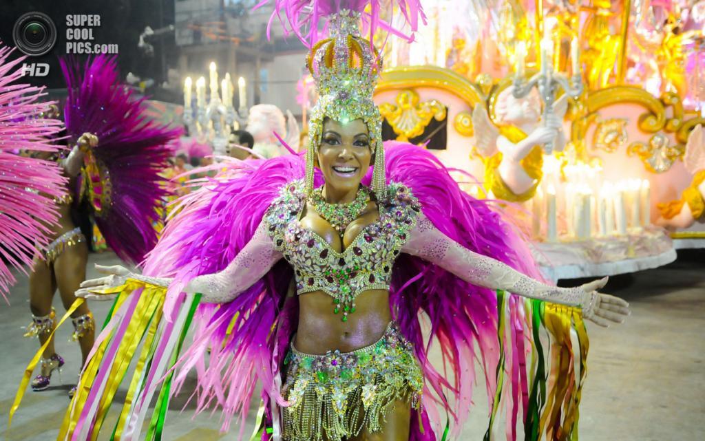 Бразилия. Сан-Паулу. Во время карнавала. (Alexandre Durão)