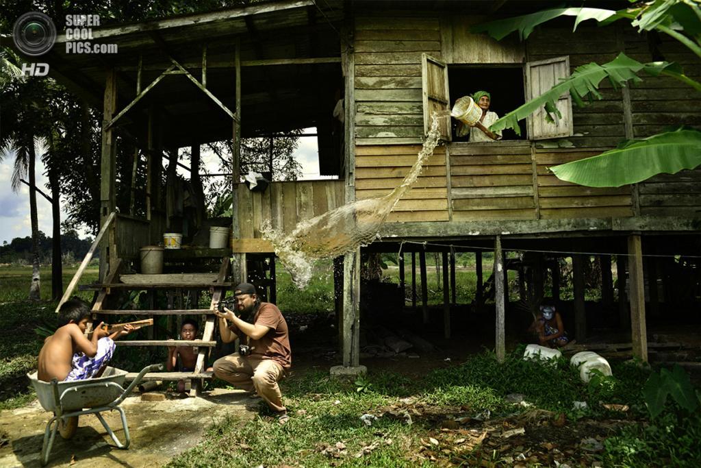 Место съёмки: Куантан, Паханг, Малайзия. Номинация: Split Second, Open Competition, 1 место. (Hairul Azizi Harun/2014 Sony World Photography Awards)