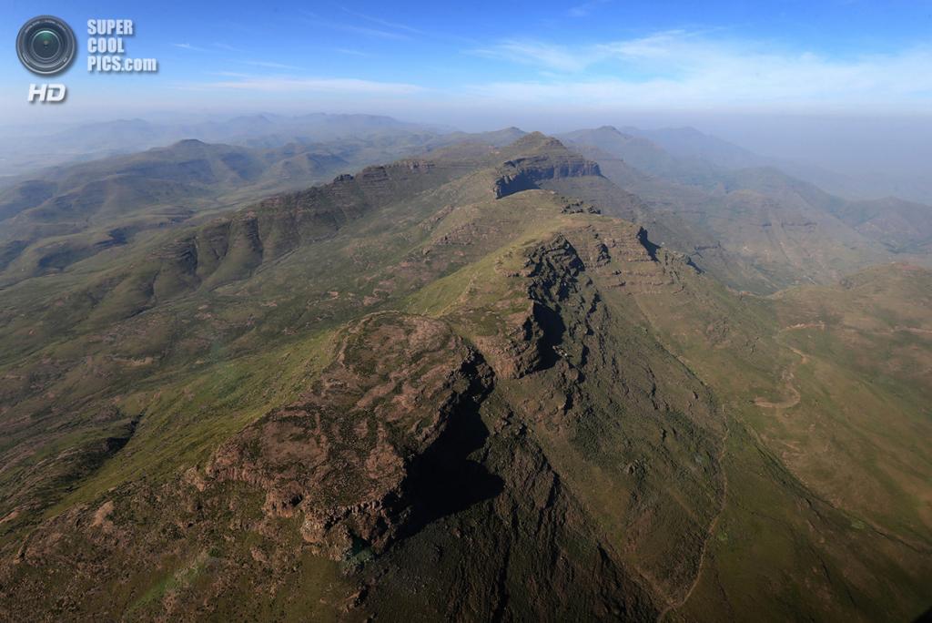 Лесото. Масеру. 26 февраля 2013 года. Общий вид на горы, окружающие столицу Масеру. (Chris Jackson/Getty Images)