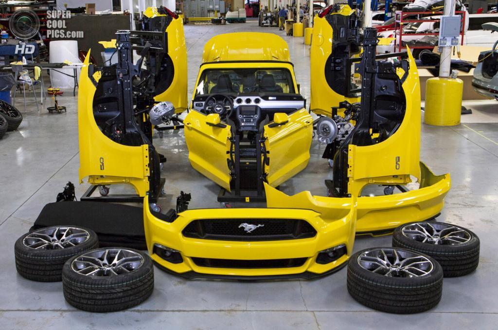 США. Нью-Йорк. 14 апреля. 2015 Ford Mustang GT. (REUTERS)