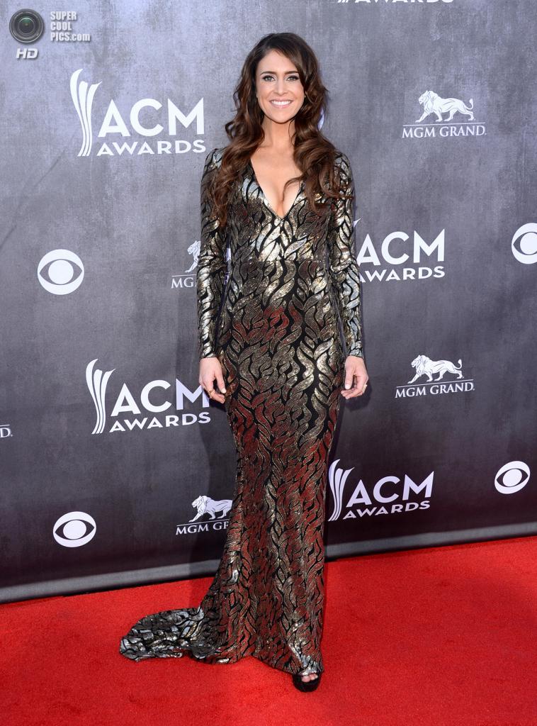 США. Лас-Вегас, Невада. 6 апреля. Певица Келли Бэннен на красной дорожке ACM Awards 2014. (Jason Merritt/Getty Images)