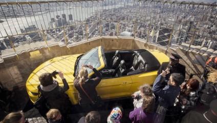 Полувековой юбилей «Мустанга» на высоте (7 фото)