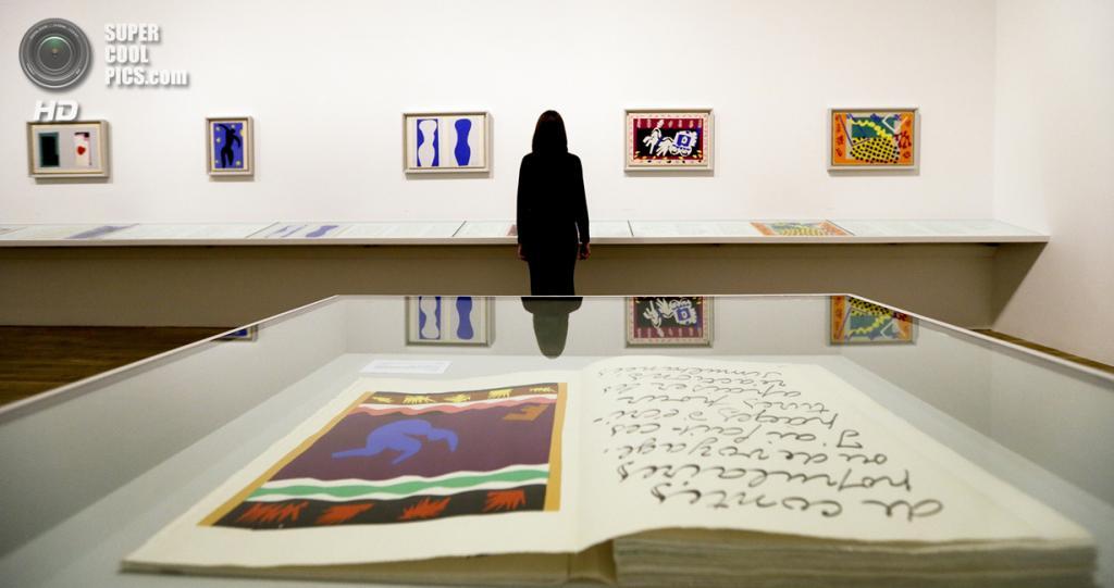 Великобритания. Лондон. 14 апреля. Картины Анри Матисса в галерее «Тейт Модерн». (AP Photo/Kirsty Wigglesworth)