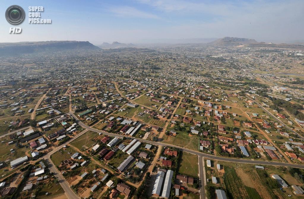 Лесото. Масеру. 26 февраля 2013 года. Вид на столицу с высоты птичьего полёта. (Chris Jackson/Getty Images)