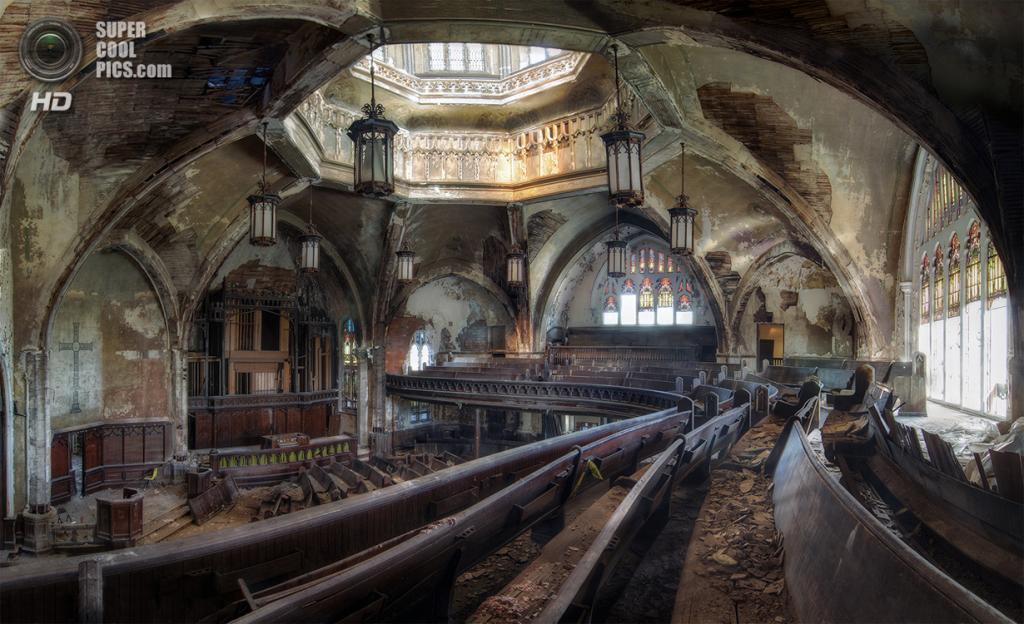 Пресвитерианская церковь на Вудворд-авеню в Детройте. (Michael Frank/Smithsonian.com)