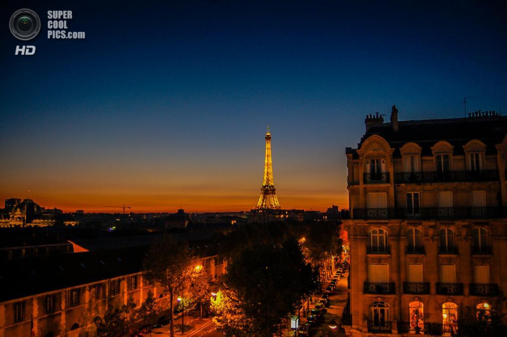 Франция. Париж. Эйфелева башня. (mbell1975)