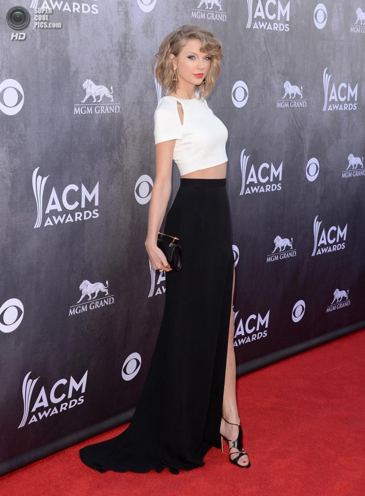 США. Лас-Вегас, Невада. 6 апреля. Певица Тейлор Свифт на красной дорожке ACM Awards 2014. (Jason Merritt/Getty Images)